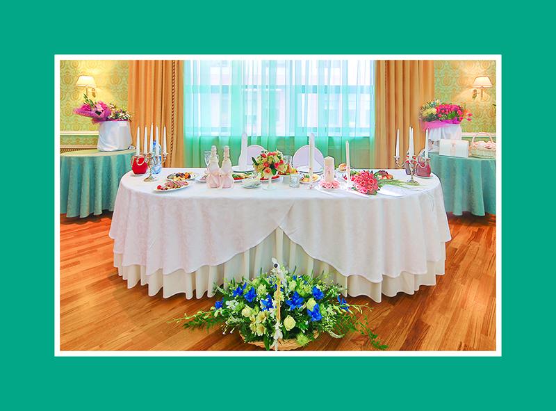 Brautpaartisch Dekoration Blumen 4